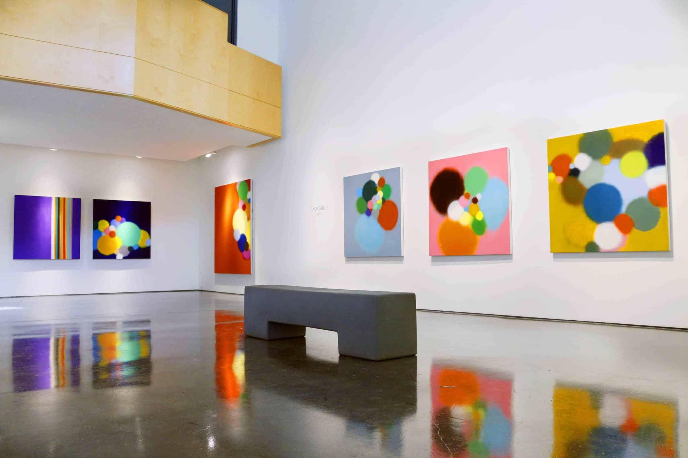 Installation, Anda Kubis,