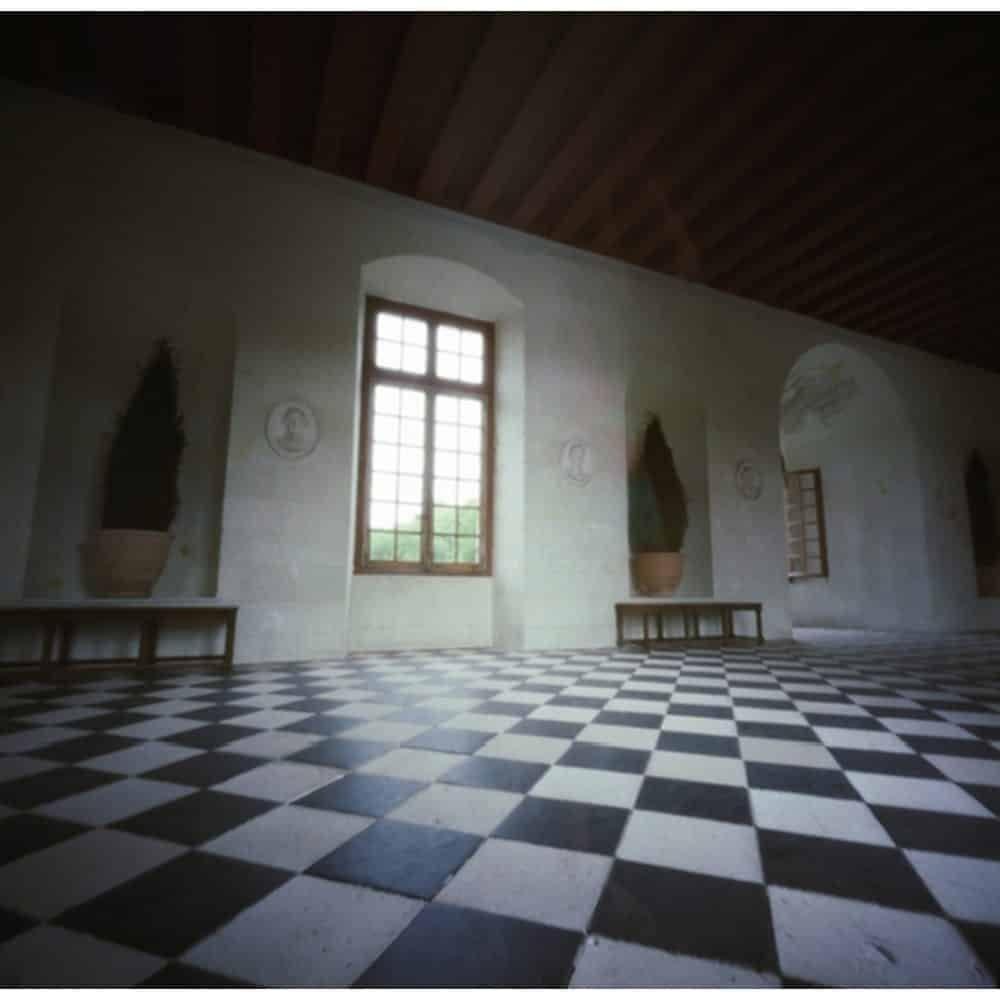 Dianne Bos, chateau chenonceau fenetre, 2007, 30x30